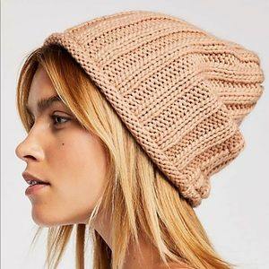 NWOT Free People Rory toque in Camel